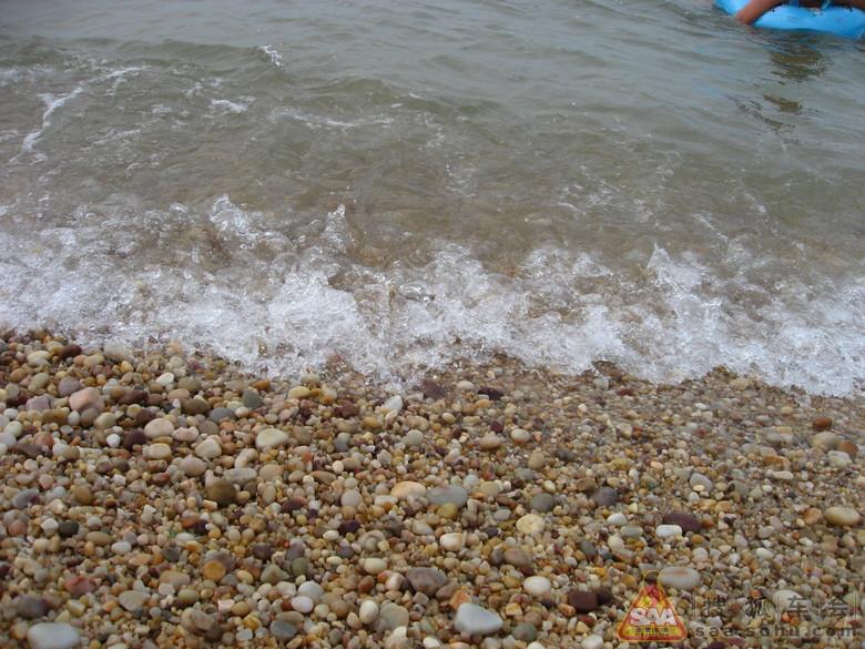 寻蓬莱旅游,海滩全是鹅卵石的那种