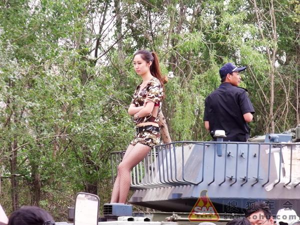 """坦克/参加本次展会的展品有:我国自主研发的""""歼十""""战斗机,63式..."""