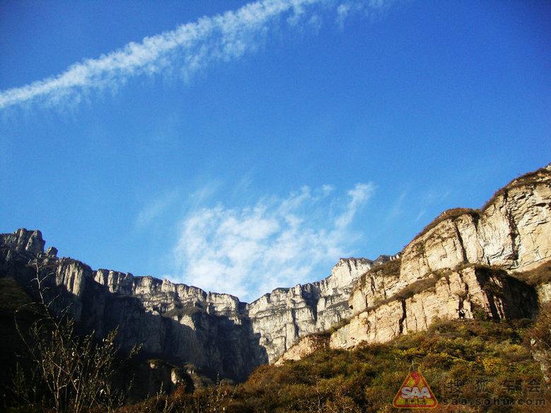 黄华山风景区位于林州市西七公里处