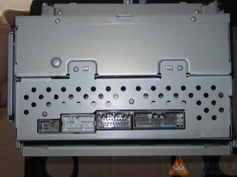 本田思域的6碟cd主机,完美升级只有单碟主机的思域