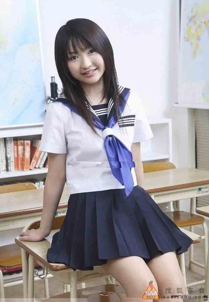 有型有款的日本女学生的水手裙校服 普锐斯论